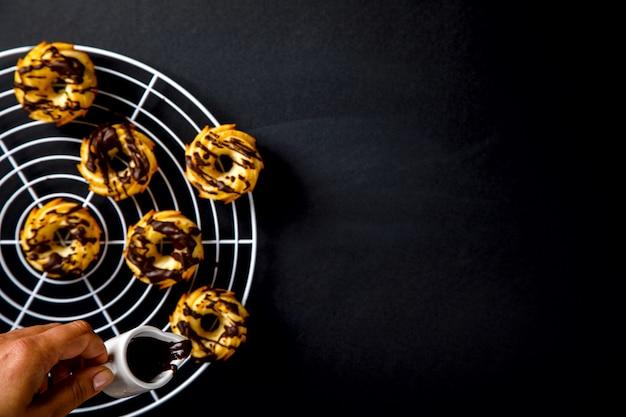 Muffins glaze chocolate, sobremesa doce
