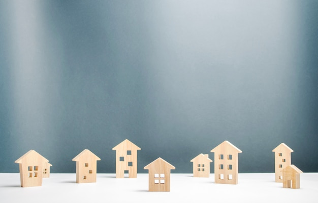 Muitas casas de madeira