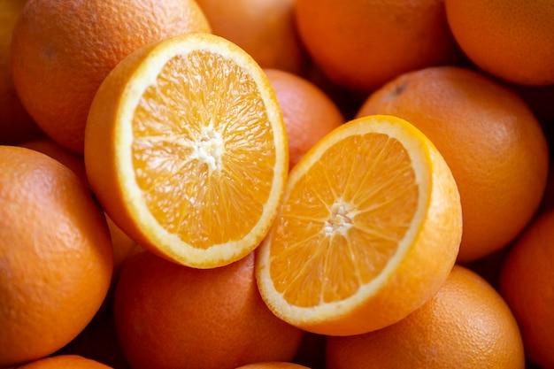 Muitas laranjas de valência, espanha.