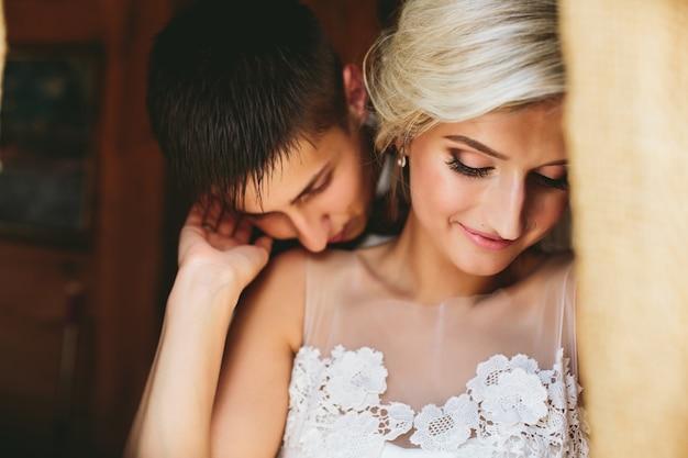 Muito união vestido de casamento smoking