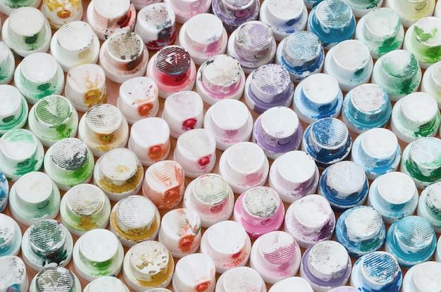 Muitos bicos de um pulverizador de tinta