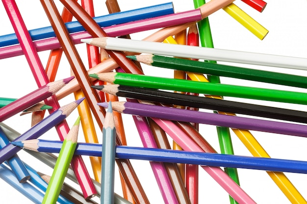 Muitos lápis coloridos