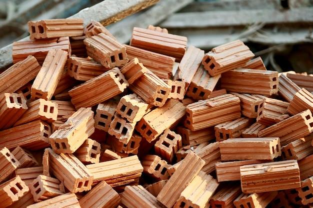Muitos tijolos para construção, close-up