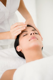 Mulher, acupuntura, terapia