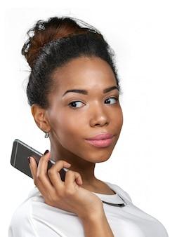 Mulher americana africana, com, um, telefone móvel