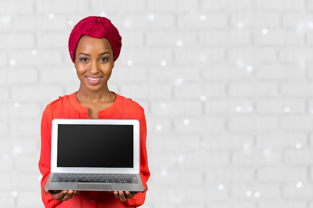 Mulher americana africana, segurando, laptop