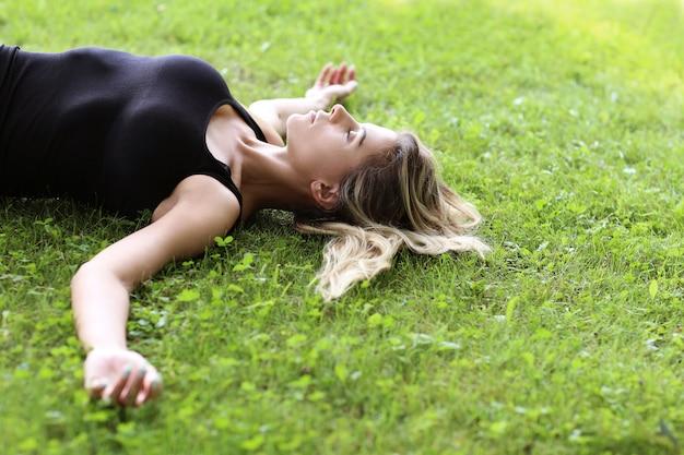 Mulher ao ar livre