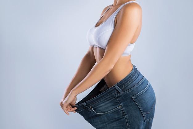 Mulher após perda de peso