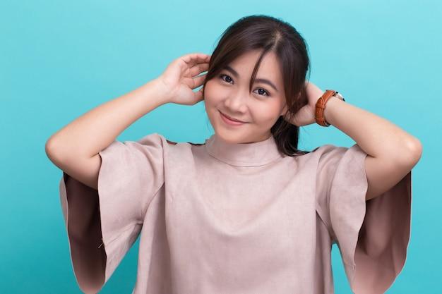 Mulher asian, com, dela, relógio