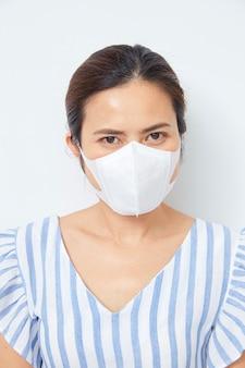 Mulher asian, desgastar, máscara rosto