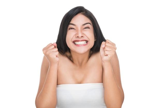 Mulher asiática atraente com conceito de cuidados da pele saudável