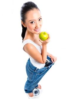 Mulher asiática, perder peso, com, dieta