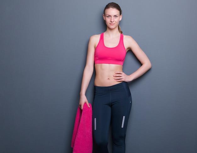 Mulher atlética magro confiante
