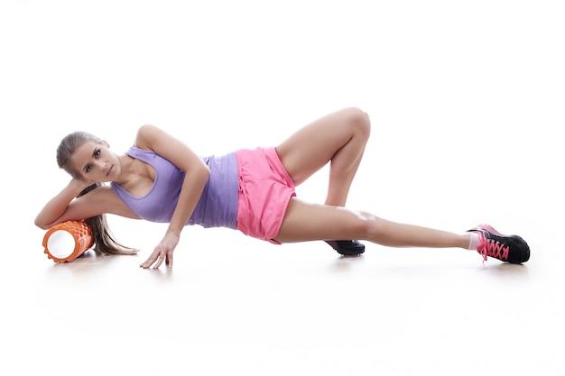 Mulher atraente atleta isolada
