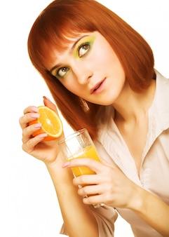 Mulher, bebendo, suco laranja, cima