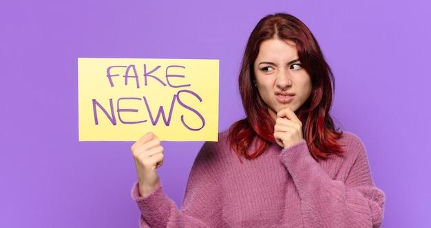 Mulher bonita. conceito de notícias falsas