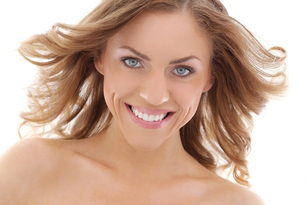 Mulher bonita sorrindo