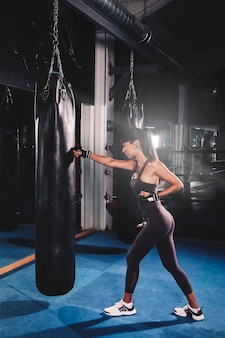 Mulher, boxe, em, ginásio