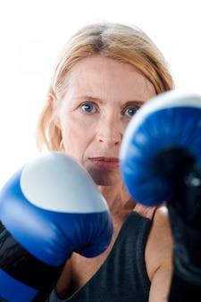 Mulher boxeadora perigosa