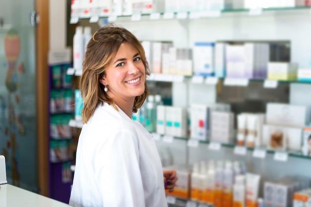 Mulher, cliente, em, a, farmácia