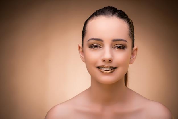 Mulher, com, bonito, maquiagem, contra, fundo