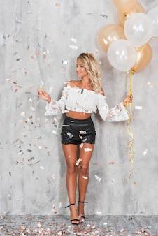 Mulher, com, champanhe, e, balões