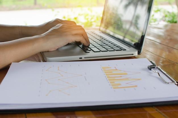 Mulher, com, computador
