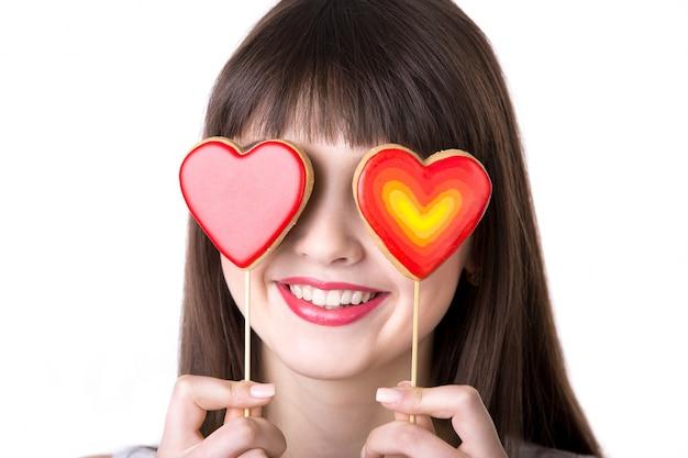 Mulher com corações nos olhos