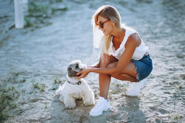 Mulher, com, dela, cão, ligado, um, férias