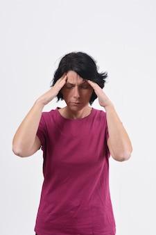 Mulher, com, dor de cabeça, branco, fundo