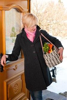 Mulher com suas compras