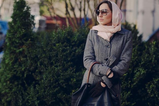 Mulher com um headscarg