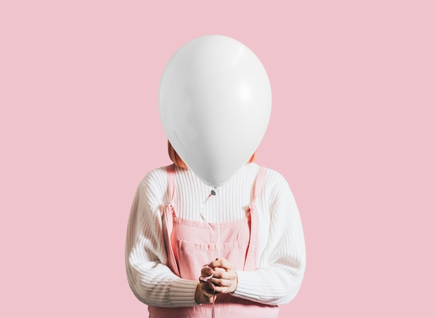 Mulher com um único balão