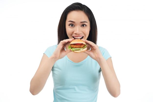 Mulher, comer, hambúrguer galinha
