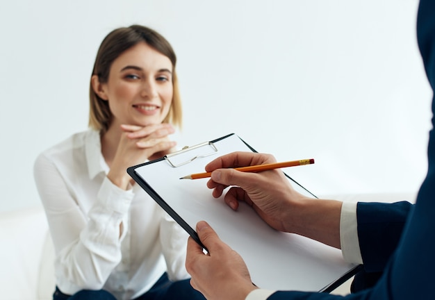 Mulher consulta psicologia paciente problemas de saúde estresse