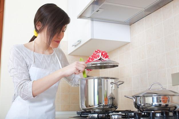 Mulher, cozinhar, lar