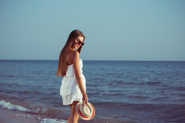 Mulher de férias de verão