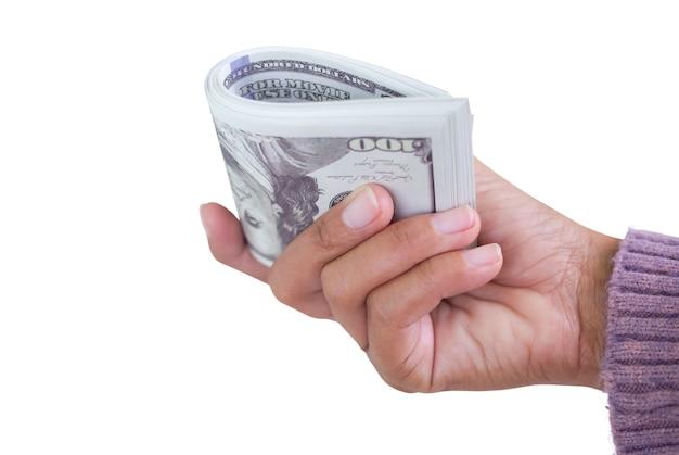 Mulher de mão com camisola segurando dinheiro nota de banco dólar 100 $ isolado no fundo branco. conceito de negócios e finanças.