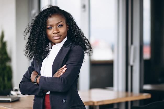 Mulher de negócios americano africano