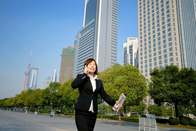 Mulher de negócios asiático em xangai.