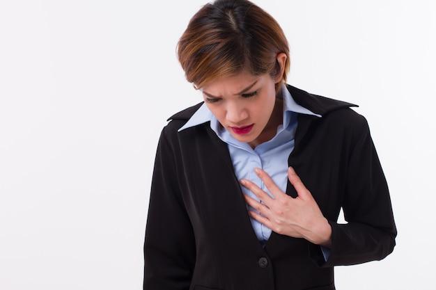 Mulher de negócios com refluxo ácido