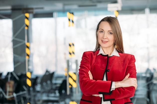 Mulher de negócios. forte líder feminina de sucesso