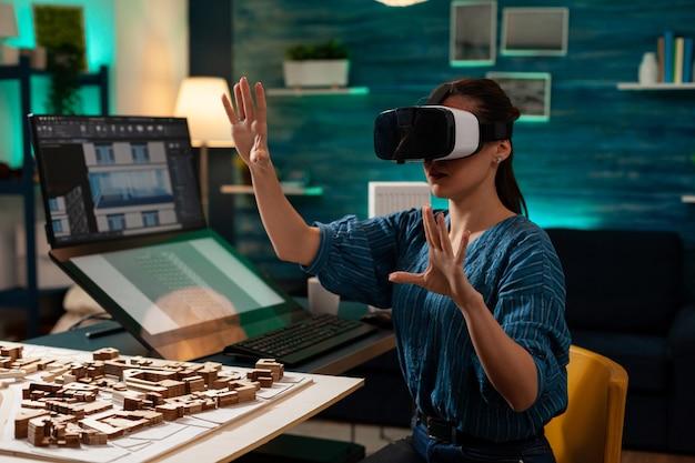 Mulher de negócios moderna com óculos vr para inovação