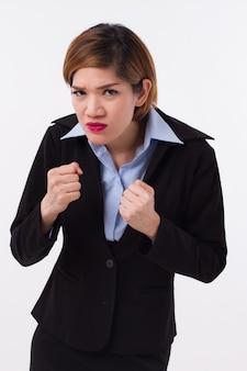 Mulher de negócios zangada pronta para lutar