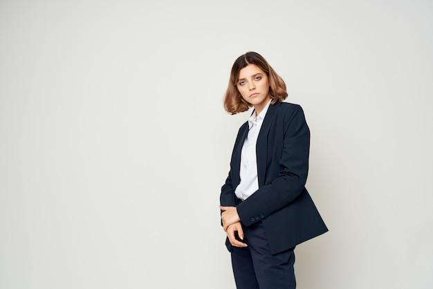 Mulher de terno gerente de escritório executivo