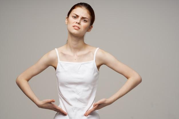 Mulher, dor na virilha, doença íntima, ginecologia, fundo isolado