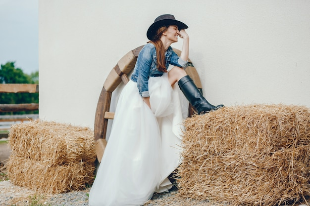 Mulher elegante em um chapéu