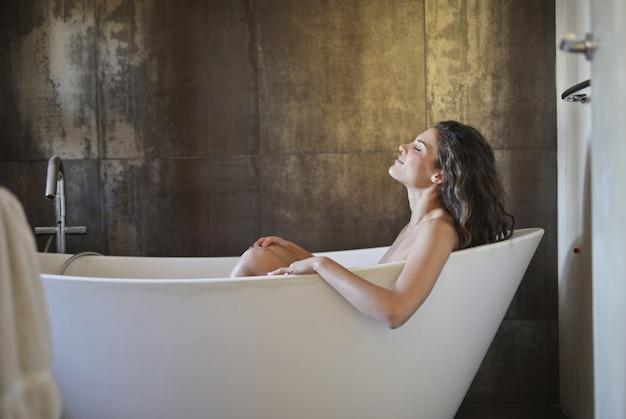 Mulher, em, banheira