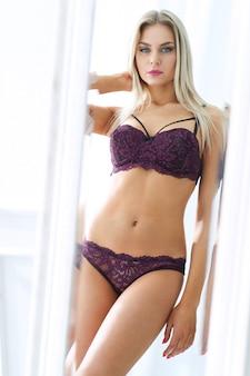Mulher em lingerie