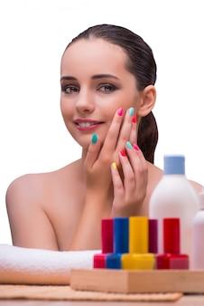 Mulher, em, mão, tratamento, manicure, conceito